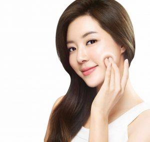 CẠO LÔNG MẶT LÀM ĐẸP DA, LỢI HAY HẠI? – Tâm Beauty Clinic