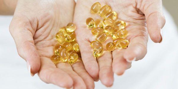 Kiên trì sử dụng Vitamin E sẽ giúp bạn có 1 vùng da dưới cánh tay trắng sáng không tì vết